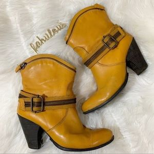 Bronx So Today yellow leather zipper detail boots
